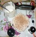 Чернослив с орехами под сметанным кремом